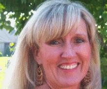 Denise Lough TRDlogorect Headshot